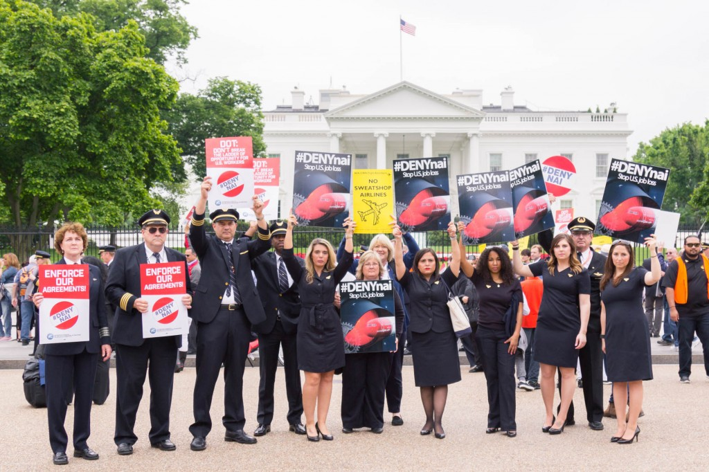 Aviation workers picket White House over Norwegian Air (12news.com)