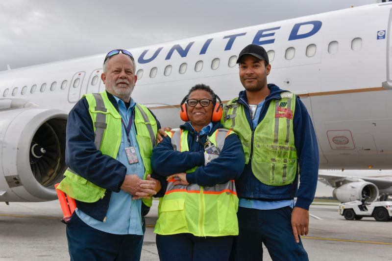 Major Pay Hikes for IAM Members at United (a news story from IAM, USA)
